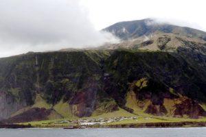 1961 se volvió el año más memorable luego de que el volcán donde se establece hiciera erupción y sus pobladores tuvieran que evacuarla. Foto:Vía Wikimedia Commons. Imagen Por: