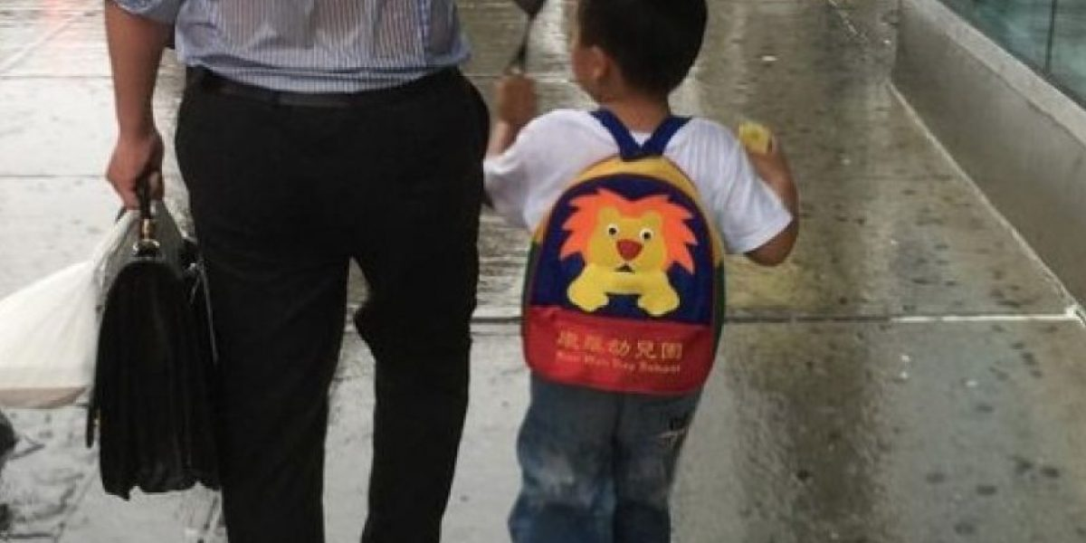 La foto de este papá con su hijo les