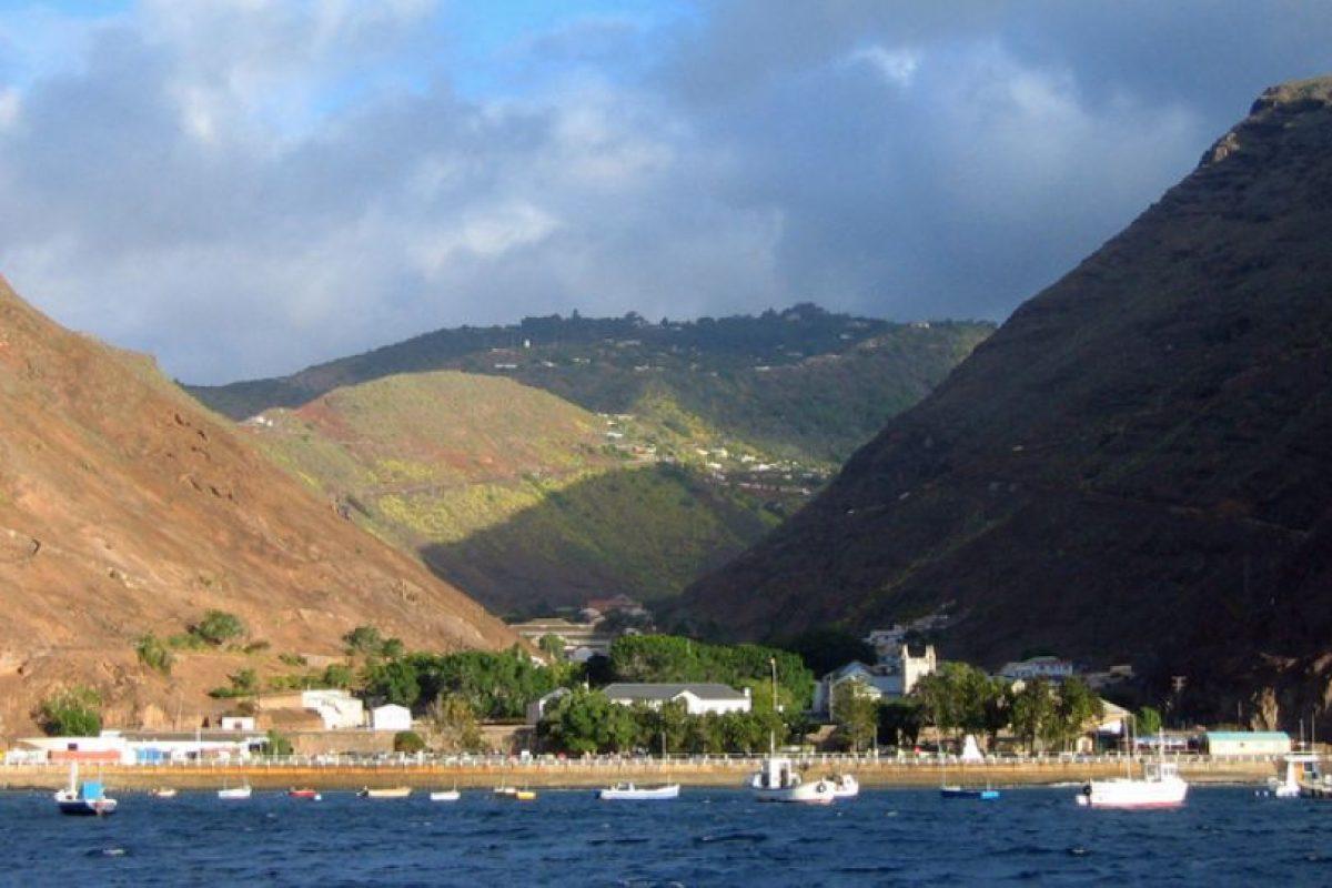 La isla de Tristán surgió de una erupción volcánica en medio del Océano Atlántico. Foto:Vía Wikimedia Commons. Imagen Por: