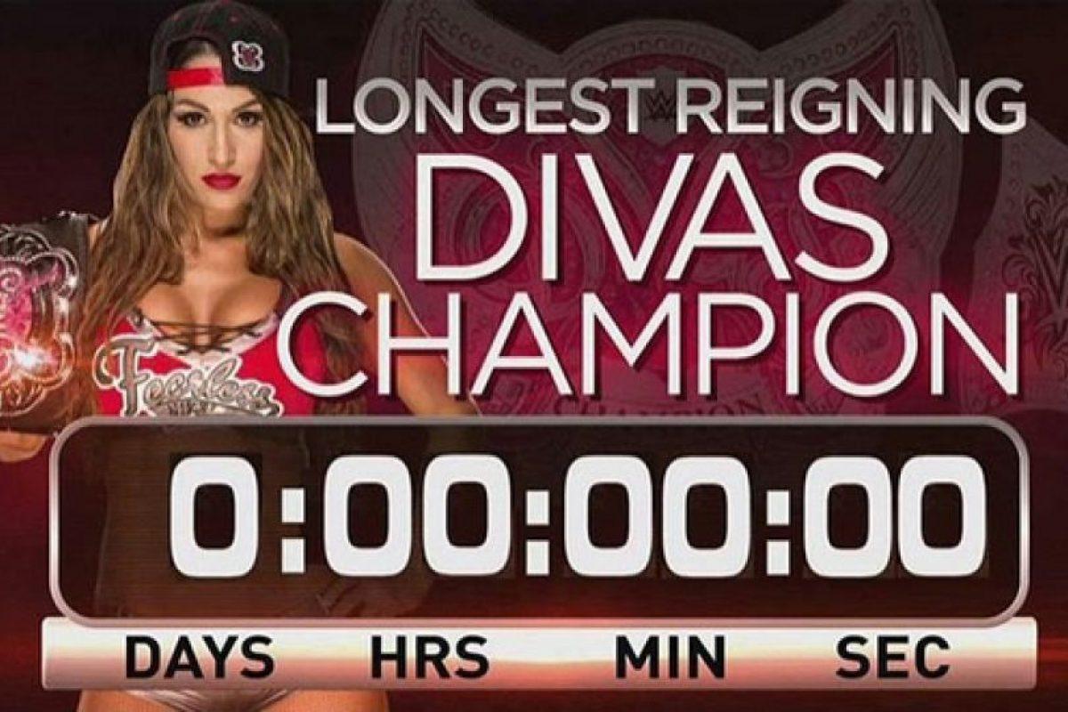 Nikki Bella regresó el contador a cero, tras retener su título en la función de Monday Night de la WWE. Foto:Vía instagram.com/thenikkibella. Imagen Por: