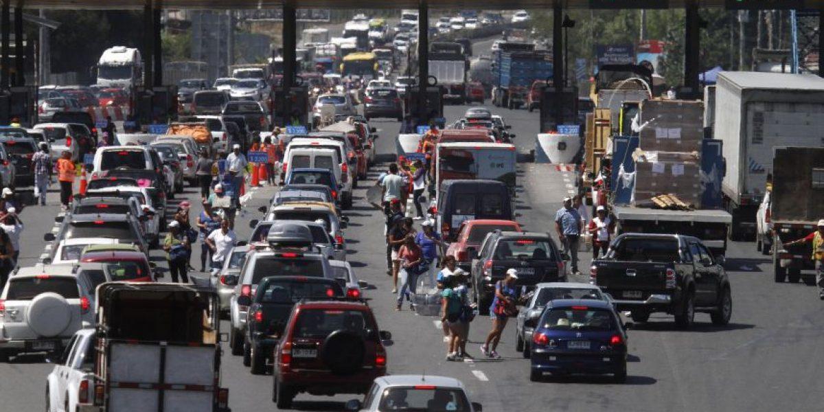 Fiestas Patrias: 350 mil vehículos abandonarán Santiago por el