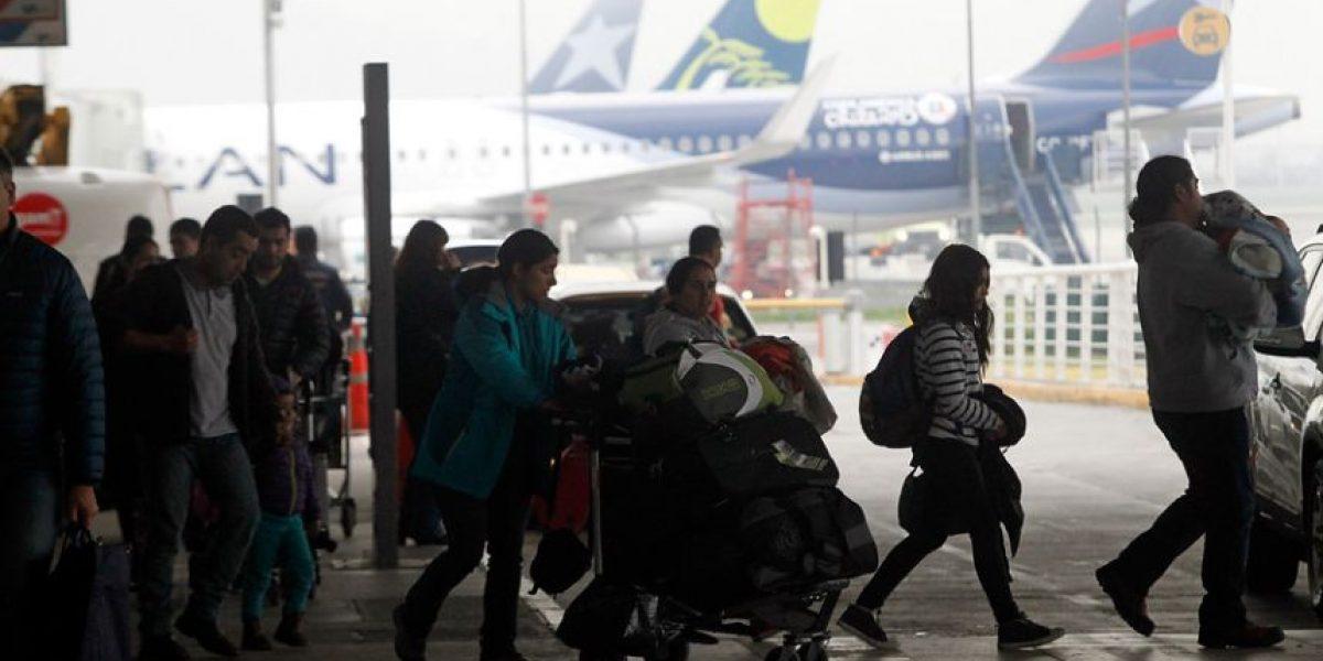 Aeropuerto: flujo de pasajeros se normaliza tras caótica reanudación de vuelos