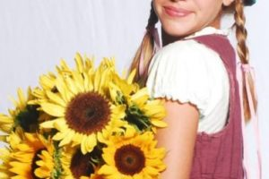 """Este era el look de la actriz argentina en la telenovela """"Patito Feo"""" Foto:vía instagram.com/laura_esquivel. Imagen Por:"""