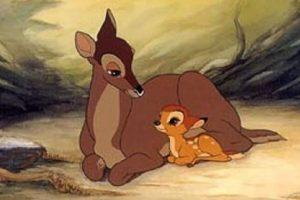 """""""El hombre que mató a la mamá de 'Bambi' no cometió ningún crimen. Él estaba alimentando a su familia, poniendo la carne de venado en la mesa"""". Foto:IMDB. Imagen Por:"""