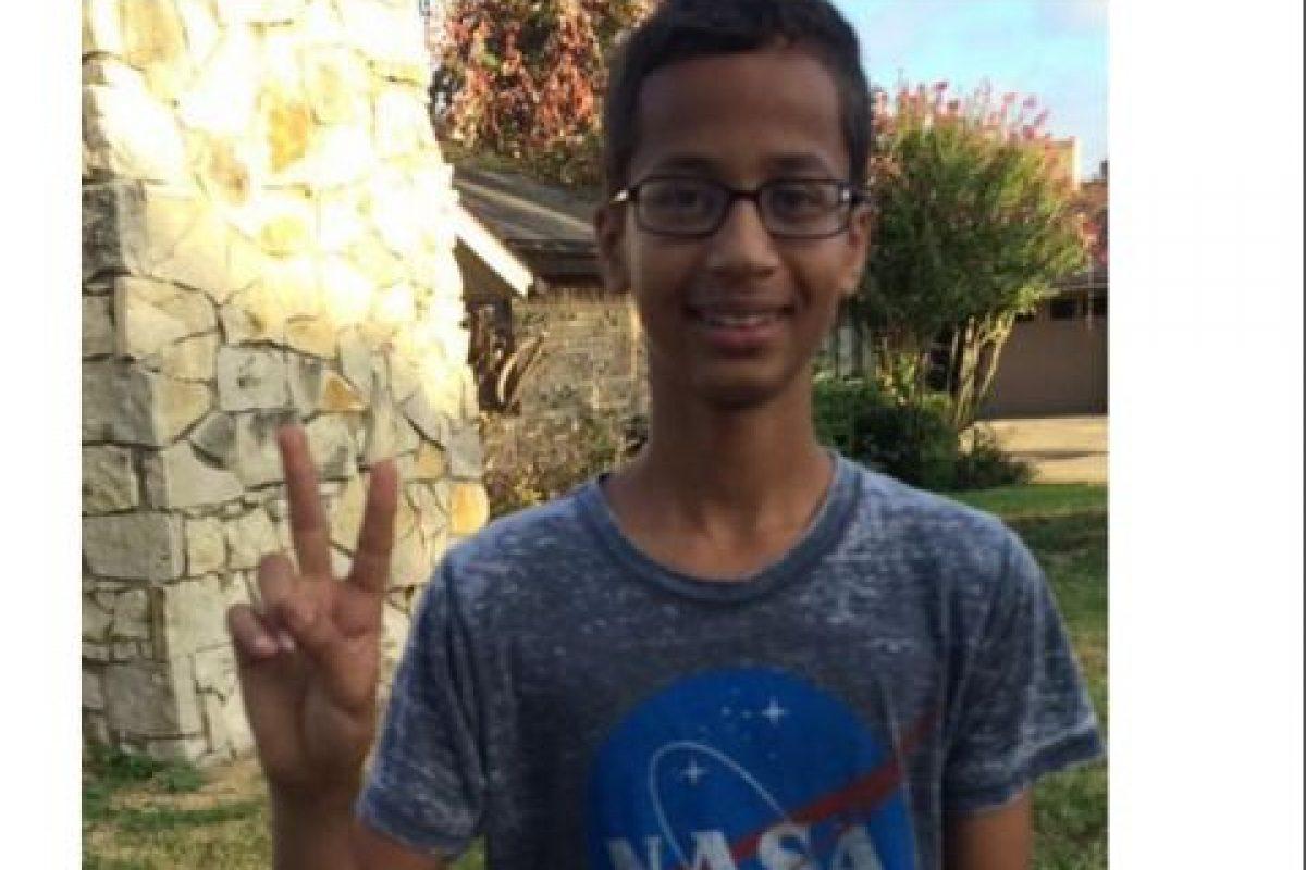 El joven fue arrestado utilizando una camiseta de la NASA Foto:Twitter.com. Imagen Por: