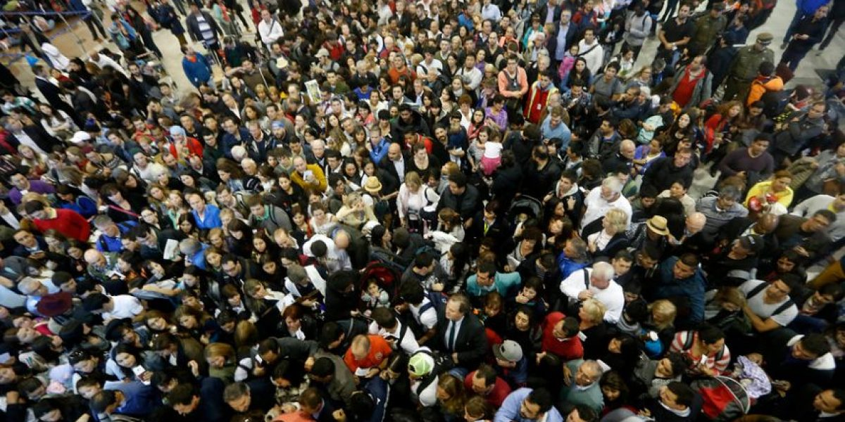 Fin del paro de la DGAC dio paso al colapso en el aeropuerto de Santiago