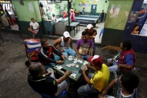 """José Vielma Mora, gobernador de Táchira, informó a través de su cuenta de Twitter que Venezuela se ahorra """"un millón de litros de combustible"""" después del cierre de la frontera. Foto:AP. Imagen Por:"""