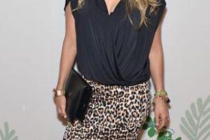 """Thalía, usando lo que toda mujer """"arriesgada"""" usaría para un evento especial. Foto:vía Getty Images. Imagen Por:"""