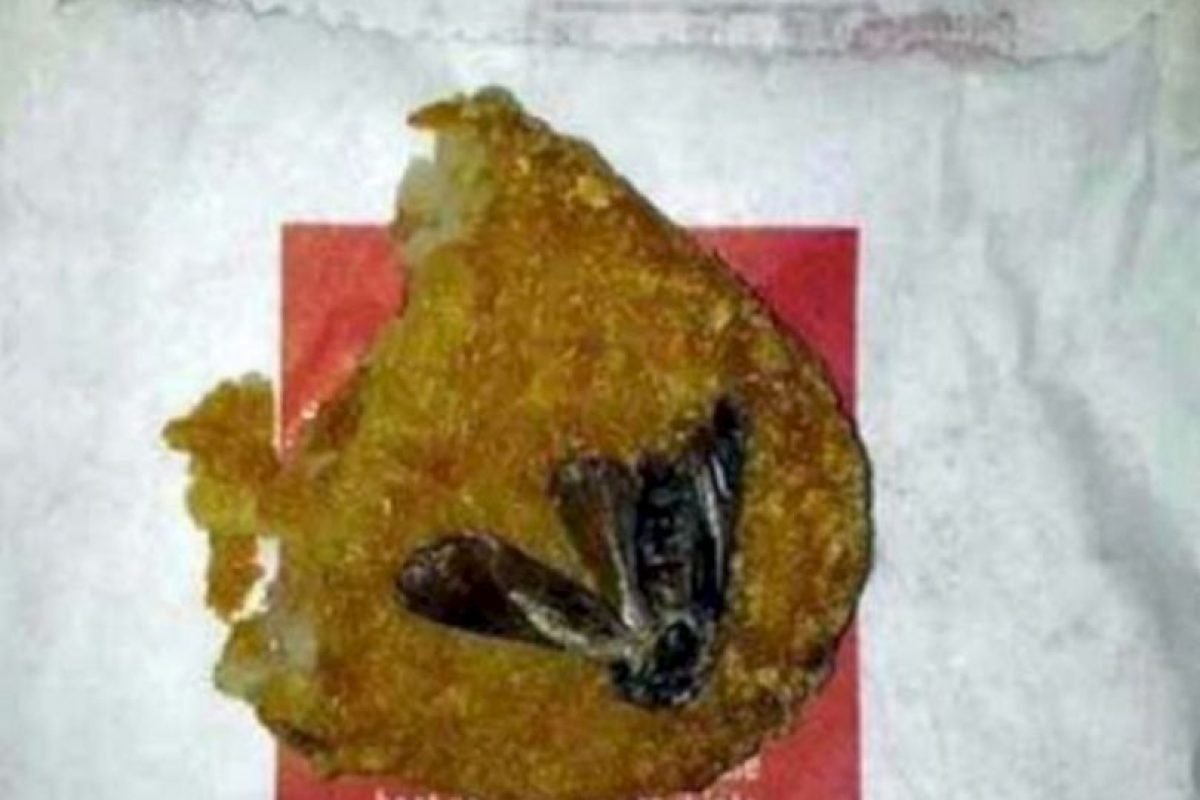 Esta polilla dentro del nugget. Foto:vía Imgur. Imagen Por: