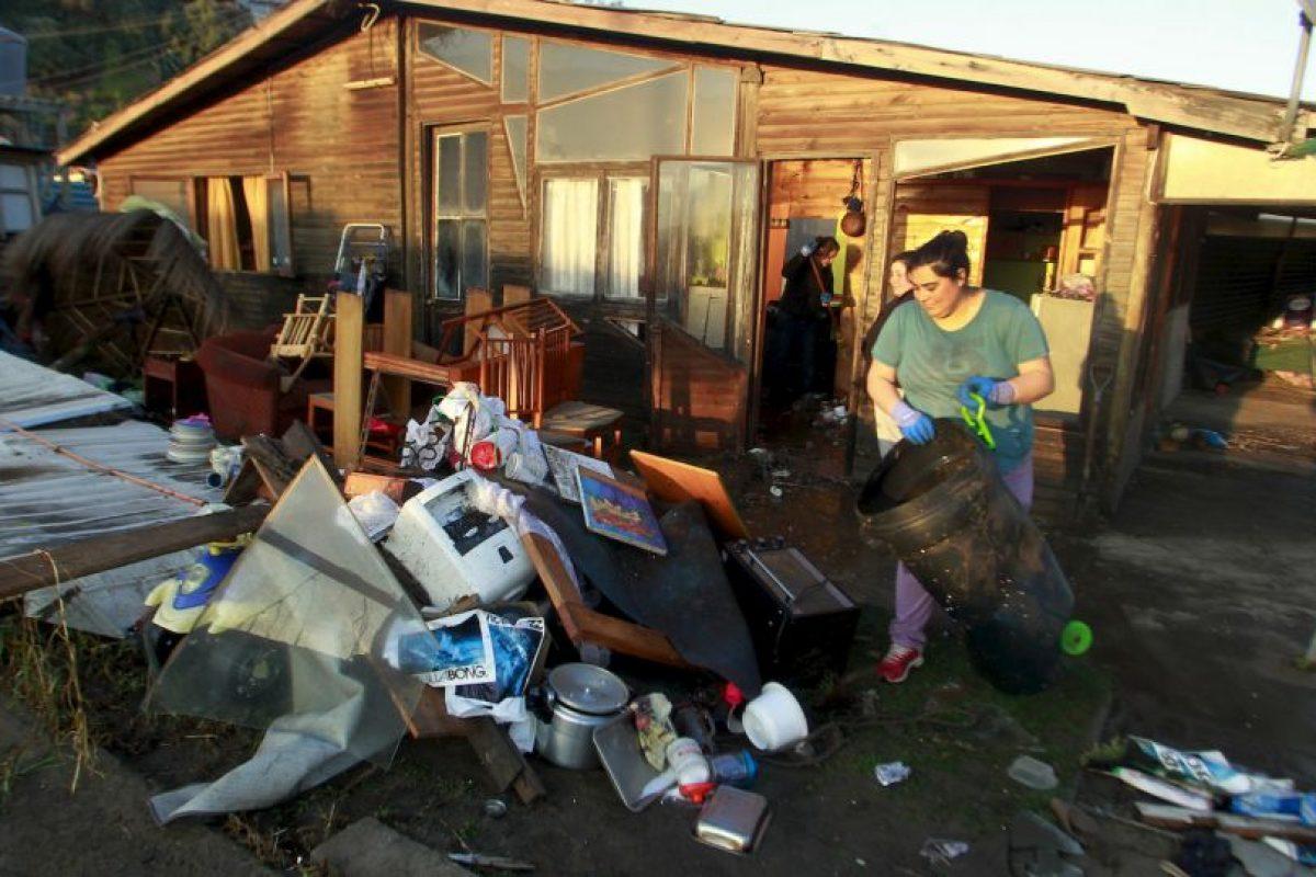 Se han sentido potentes réplicas de hasta magnitud 7.3. Foto:AFP. Imagen Por: