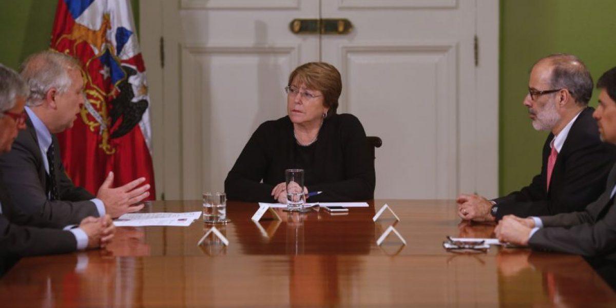 Presidenta Bachelet encabeza comité de emergencia tras terremoto