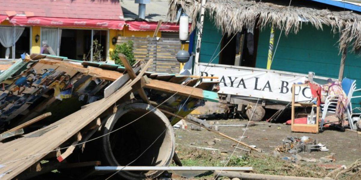 Devastador: tsunami provoca grandes daños en playa La Boca en Concón