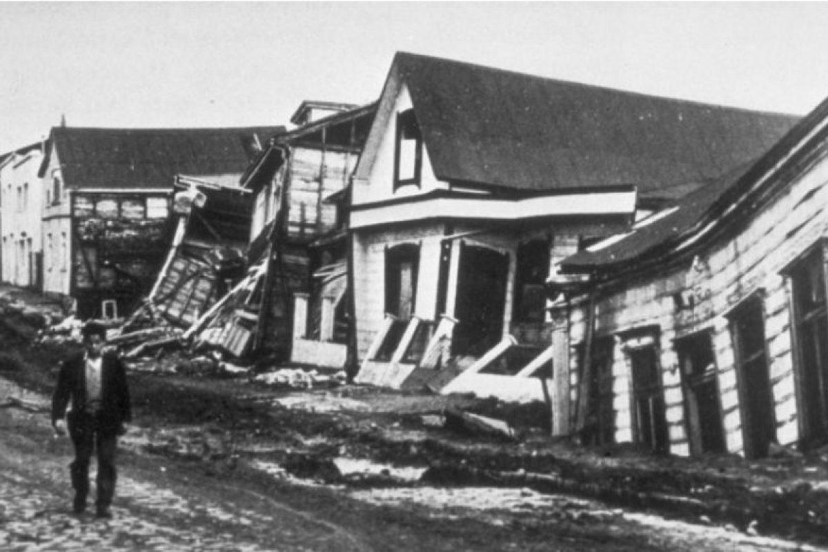 1. 22 de mayo de 1960, Valdivia, Chile: Causó la muerte de cuatro mil 485 personas aproximadamente y más de dos millones perdieron su hogar. Foto:Wikimedia. Imagen Por: