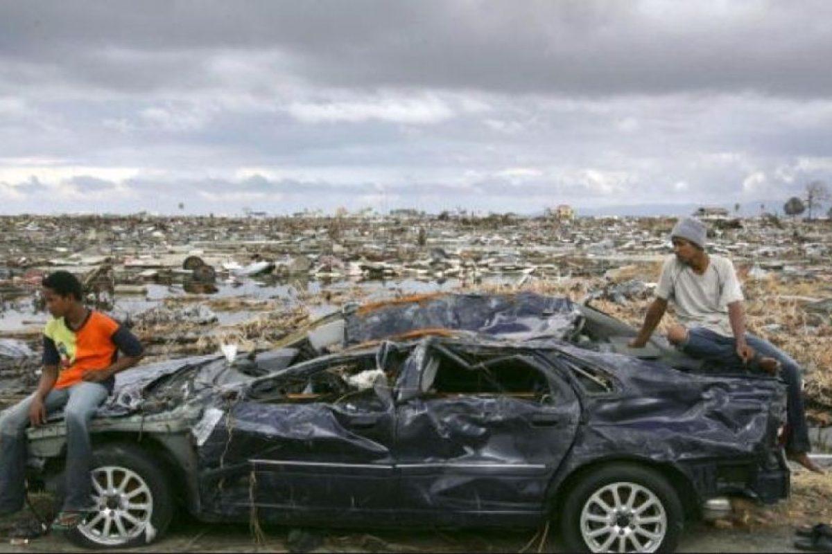 5. 26 de diciembre de 2004, Isla de Sumatra, Indonesia: El tsunami más letal de la historia con una magnitud de 9.1 Foto:Getty Images. Imagen Por: