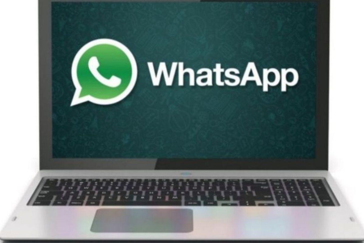 Aunque estén conversando con sus amigos en persona, a cada instante revisan WhatsApp y contestan sus mensajes aunque no pongan atención a lo demás. Foto:Pinterest. Imagen Por: