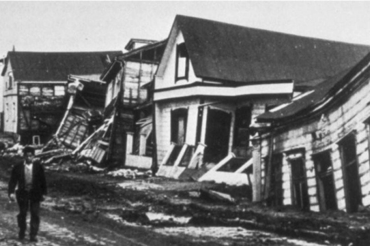 1. 22 de mayo de 1960, Valdivia, Chile: Causó la muerte de cuatro mil 485 personas aproximadamente y más de dos millones perdieron su hogar. Foto:Foto: Wikimedia. Imagen Por: