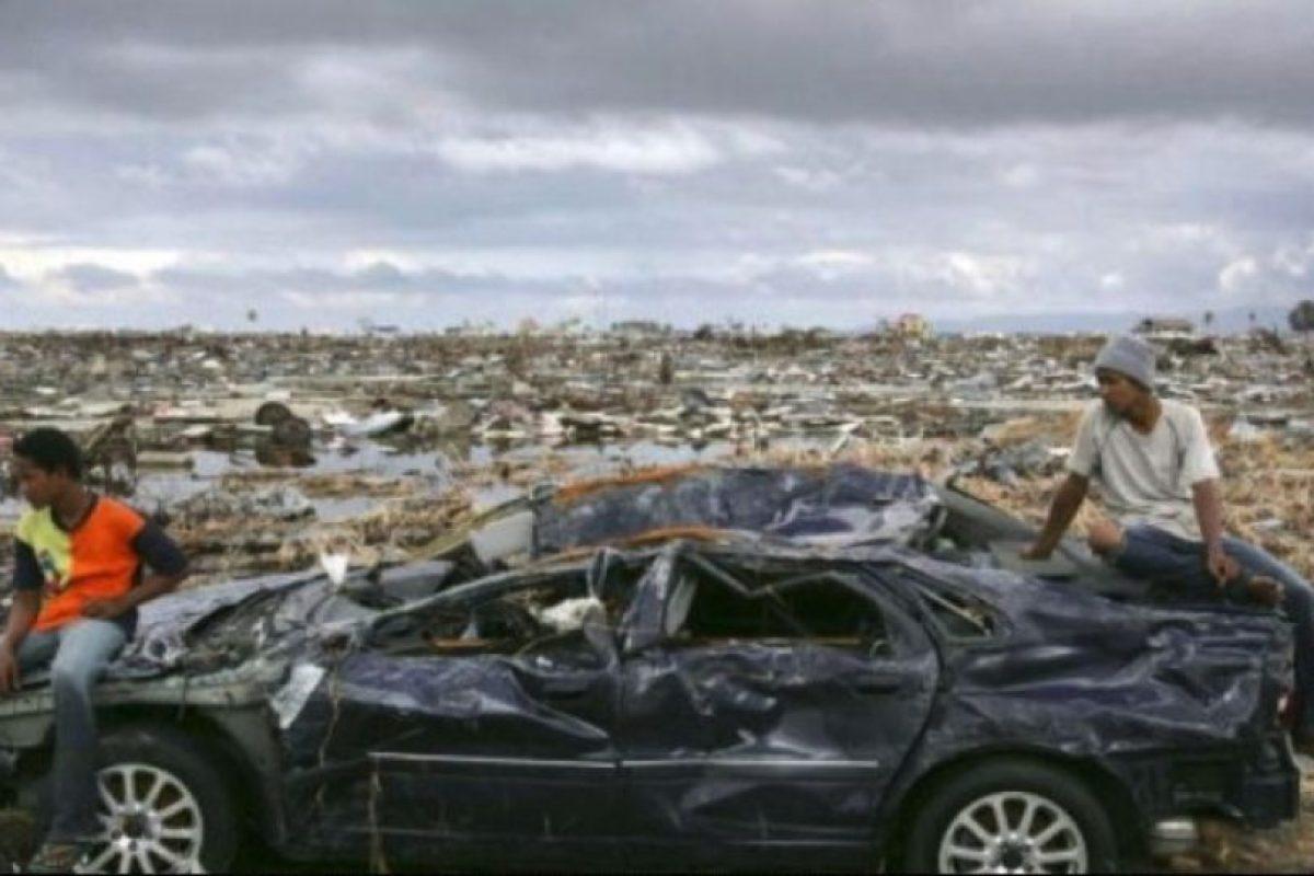 5. 26 de diciembre de 2004, Isla de Sumatra, Indonesia: El tsunami más letal de la historia. Se desencadenó luego de un sismo de una magnitud de 9.1º en la escala de Richter Foto:Getty Images. Imagen Por: