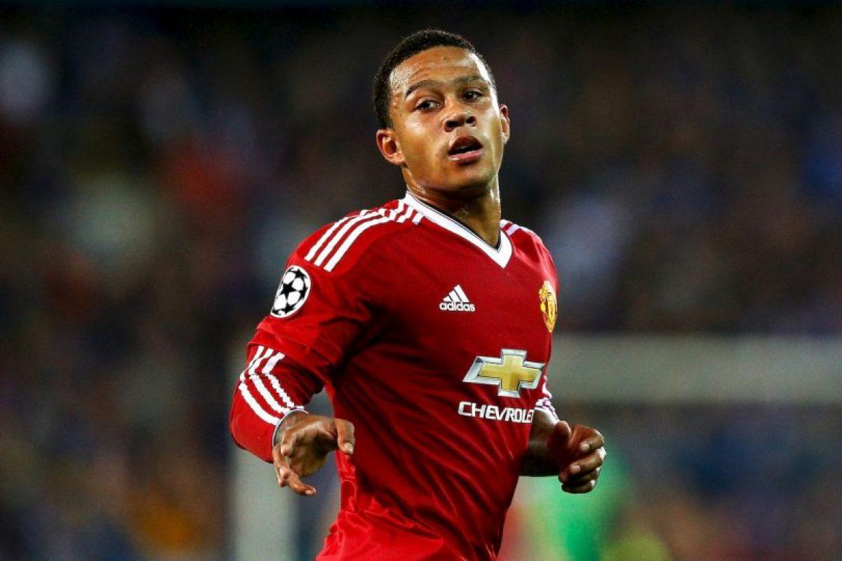 El holandés del Manchester United es dueño del puesto seis Foto:Getty Images. Imagen Por: