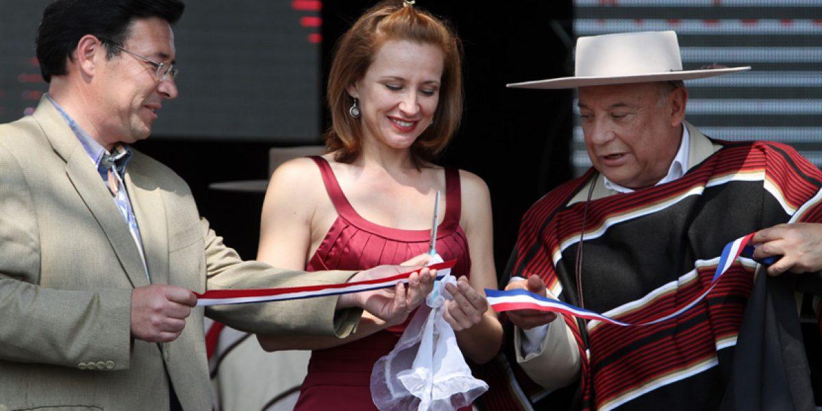 Sigrid sacó sus mejores pasos para lanzar la Fiesta de la chilenidad