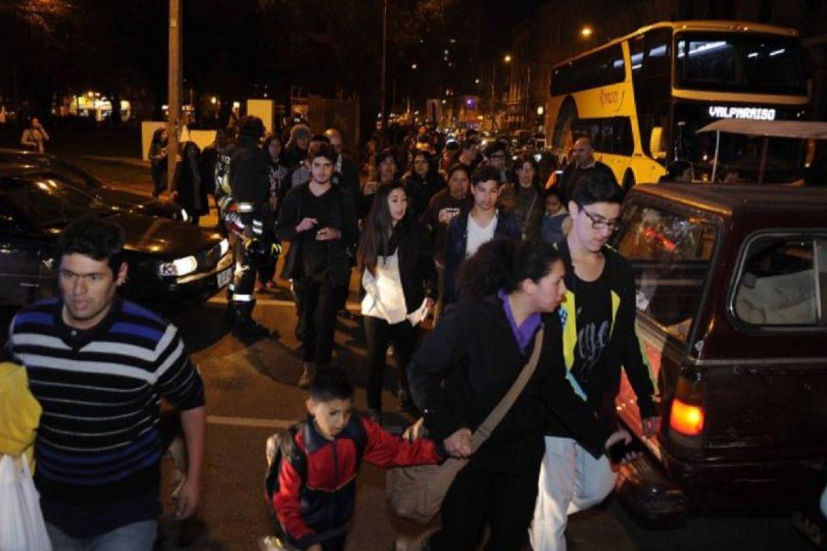 El efecto del tsunami puede durar horas. Foto:vía Agencia Uno/Publimetro Chile. Imagen Por: