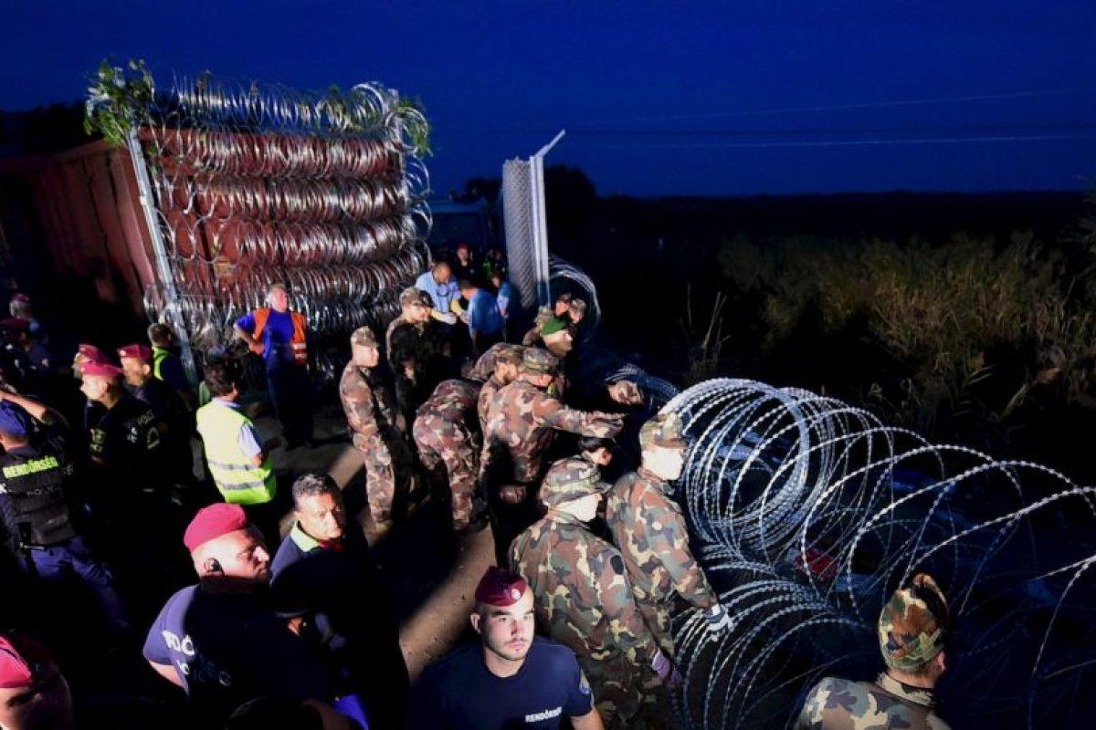 Verja en frontera en la frontera de Hungría y Serbia. Foto:AFP. Imagen Por: