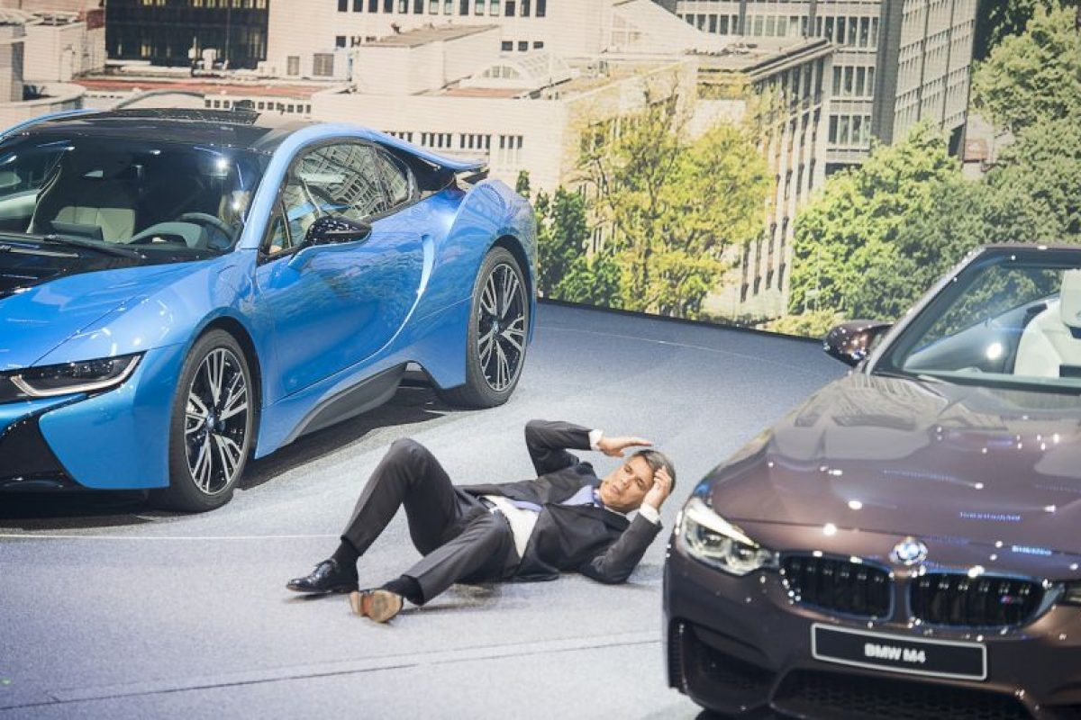 Harald Krueger, CEO de BMW colapsa en plena presentación en Alemania. Foto:AFP. Imagen Por: