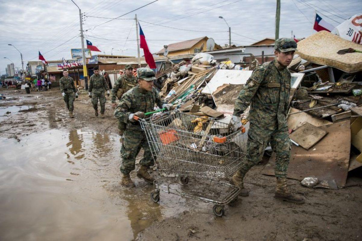 Ayer visitó la región de Coquimbo y zonas aledañas, las cuales resultaron severamente afectadas Foto:AFP. Imagen Por: