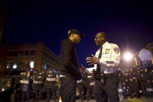 Entre ellos el caso de Freddie Gray, un hombre negro que murió luego de estar bajo custodia policial. Foto:Getty Images. Imagen Por: