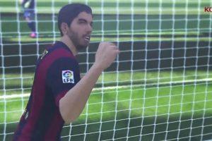 El uruguayo Luis Suárez con el puño en alto después de anotar gol. Foto:Konami. Imagen Por: