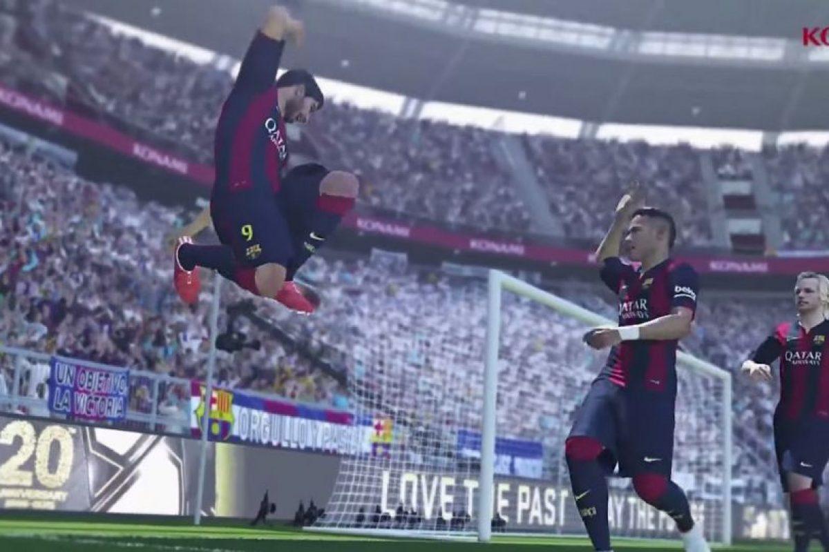 También da un salto en el aire mientras uno de sus compañeros va a su encuentro. Foto:Konami. Imagen Por: