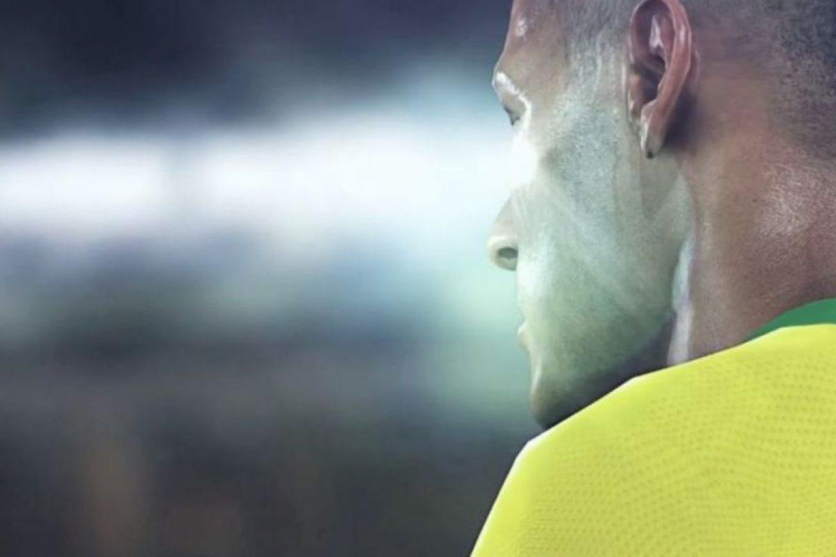 Neymar en el campo de juego. Foto:Konami. Imagen Por: