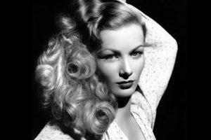 Veronica Lake, leyenda de Hollywood, destruyó su carrera por problemas con el alcohol y comportamiento. Foto:vía Getty Images. Imagen Por: