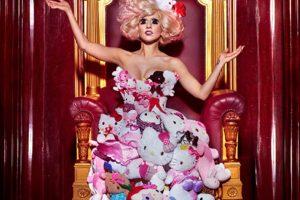 Lady Gaga con Hello Kitty. Foto:vía Getty Images. Imagen Por: