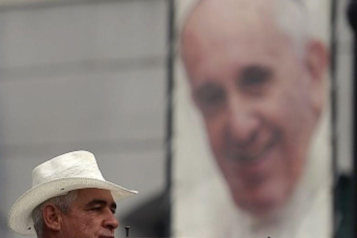Con un mensaje conciliador y esperanzador, el papa Francisco le habló a los cubanos antes de su viaje. Foto:vía Getty Images. Imagen Por: