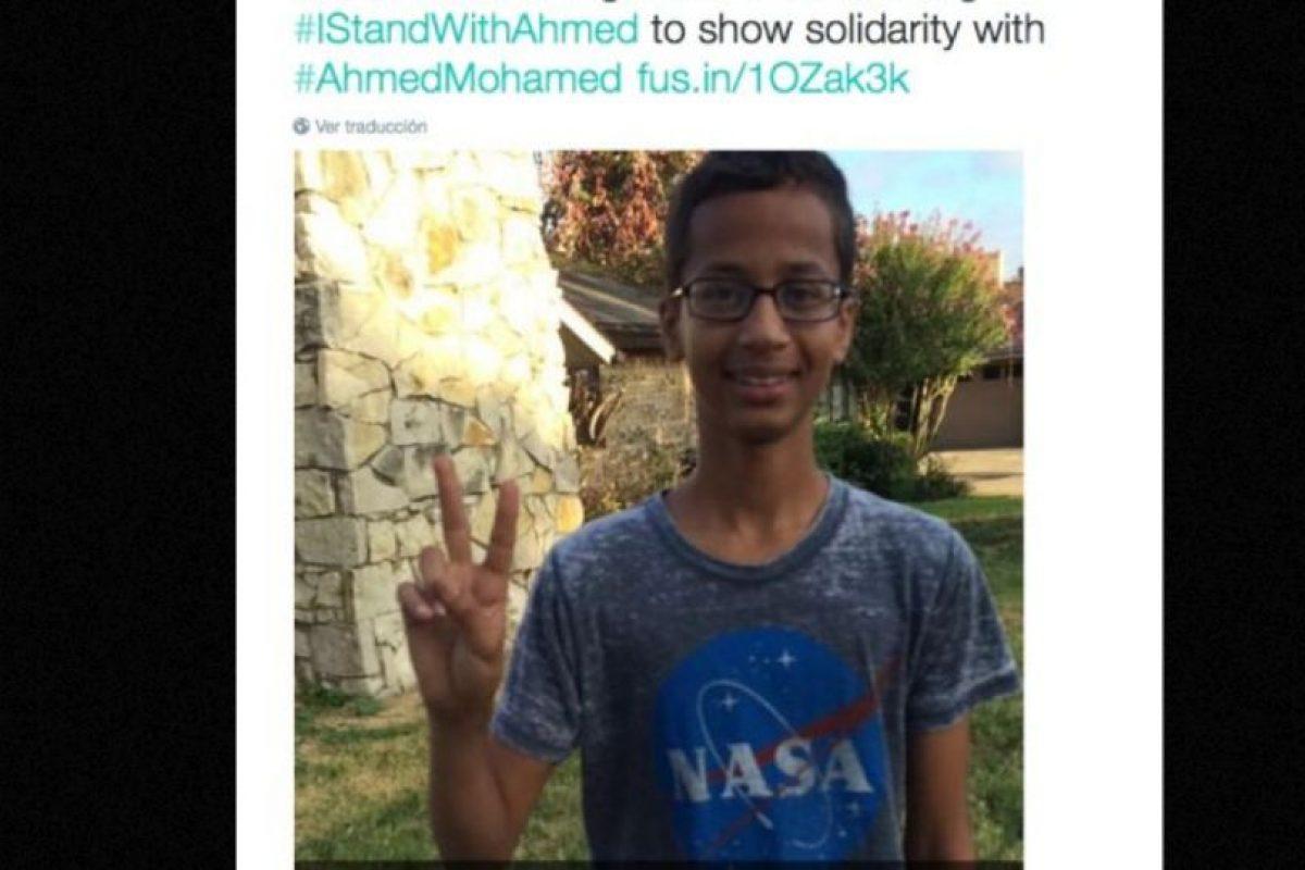El joven fue arrestado utilizando una camiseta de la NASA Foto:vía Twitter. Imagen Por: