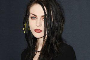 Que Frances te enseñe qué es un look grunge. Ella tiene autoridad. Foto:vía Getty Images. Imagen Por: