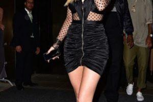 """""""Quiero ser Kim pero con materiales más baratos"""", grita su vestido. Foto:vía Getty Images. Imagen Por:"""