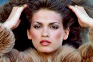Luego de destruir su carrera se dedicó a ser dependienta en una tienda cualquiera. Foto:vía Giacarangi.com. Imagen Por: