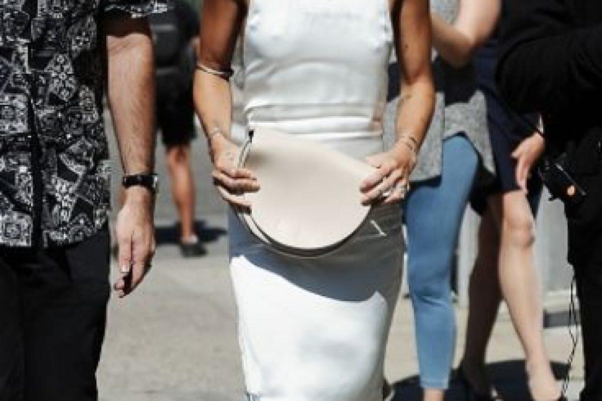 Está bien ir con un look minimalista si asistes a un desfile de Calvin Klein. Foto:vía Getty Images. Imagen Por: