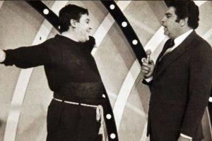 """El cantante Armano Navarrete dio vida al personaje """"Mandolino"""", quien interpretaba junto al conductor el tema """"¡Oiga Don Francisco!"""". Foto:Vía Twitter.com/Sabadogigante. Imagen Por:"""