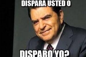 2) Dispara usted o yo Foto:Twitter. Imagen Por: