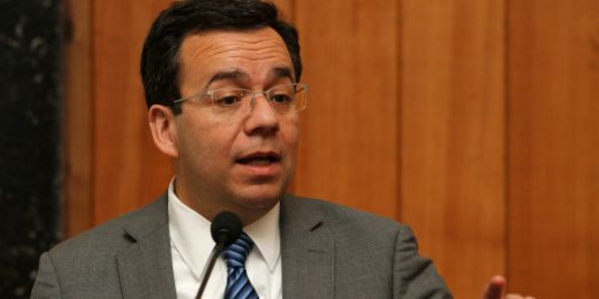 Ministro de Economía anuncia creación de Gabinete Económico de Emergencia