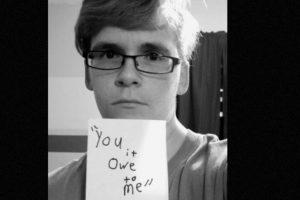 """""""Tú te debes a mí"""" Foto:vía Project Unbreakable. Imagen Por:"""