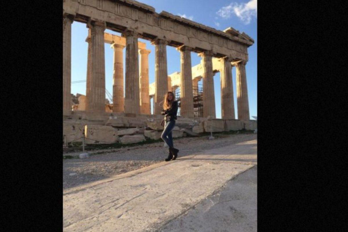 La mujer de 21 años llamó la atención de sus compañeros cuando publicó en redes sociales imágenes de sus viajes. Foto:vía Facebook/ Angelina Doroshenkova. Imagen Por: