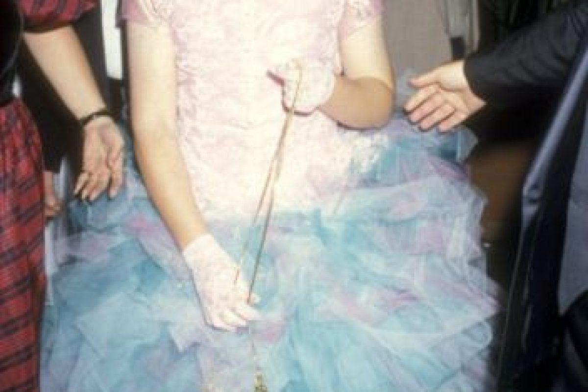 Tina Yothers en 1986 mostrando que las películas de adolescentes estaban de moda, incluidos sus vestidos de fiesta. Foto:vía Getty Images. Imagen Por: