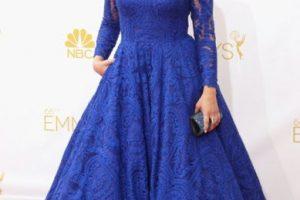 Mayim Bialik el año pasado, en un vestido de alquiler para la boda de una amiga. Foto:vía Getty Images. Imagen Por: