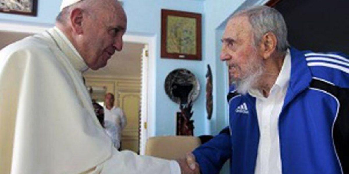 Papa Francisco visita a Fidel Castro en su casa