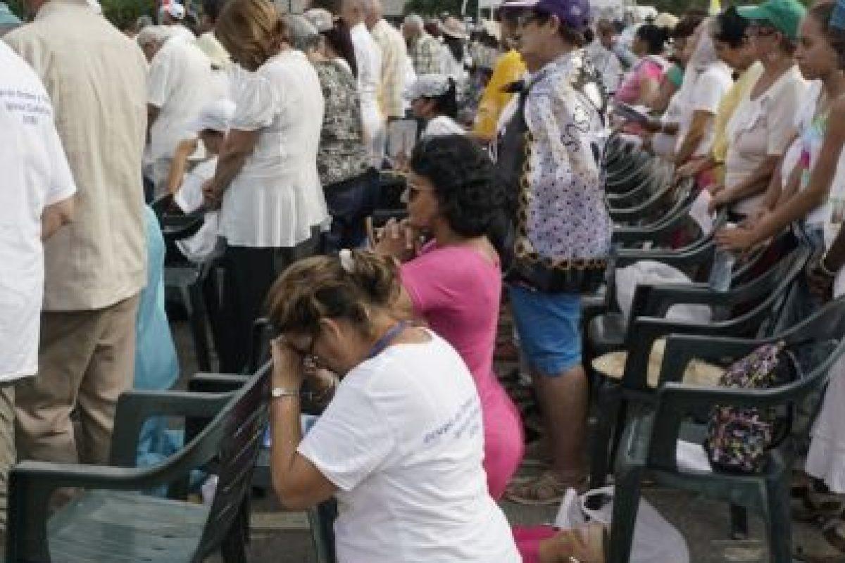 Se cree que este domingo el papa se reunirá con el expresidente Raúl Castro. Foto:AP. Imagen Por: