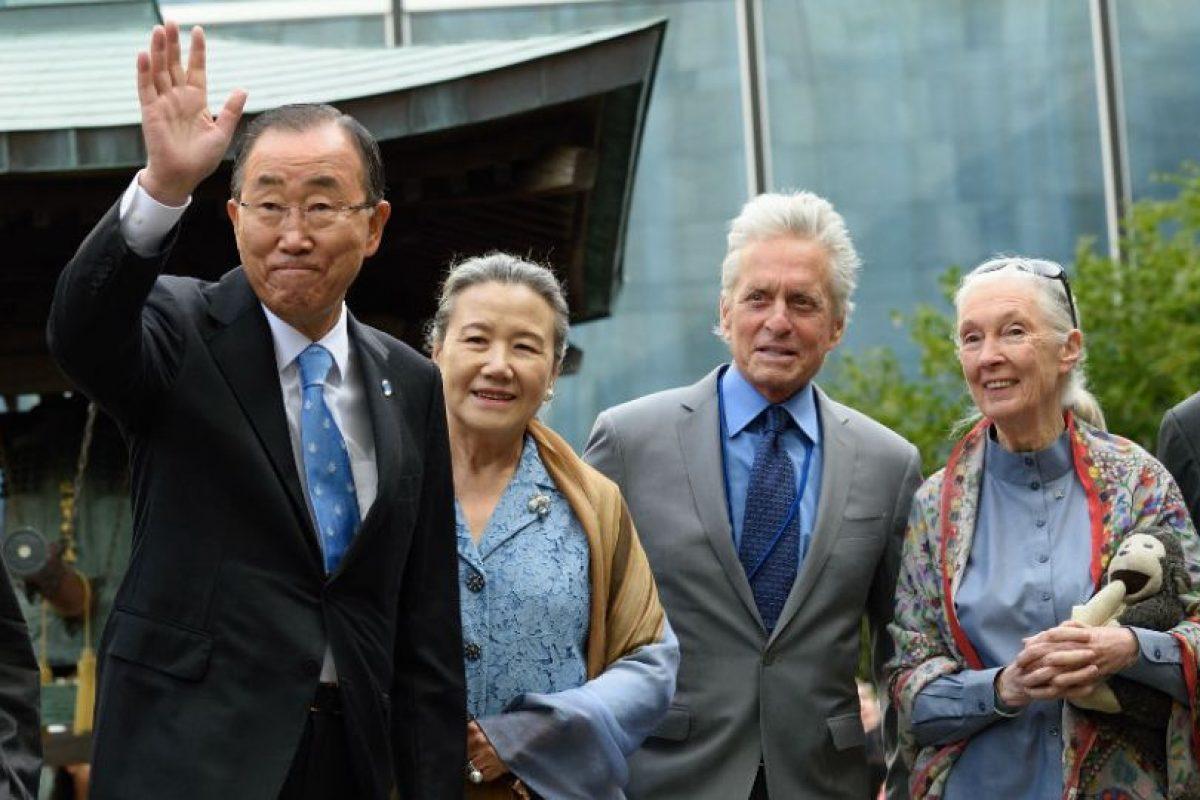 A la actividad también asistieron los mensajeros de la Paz de la Organización. Michael Douglas (centro) y Jane Goodall (derecha). Foto:AFP. Imagen Por: