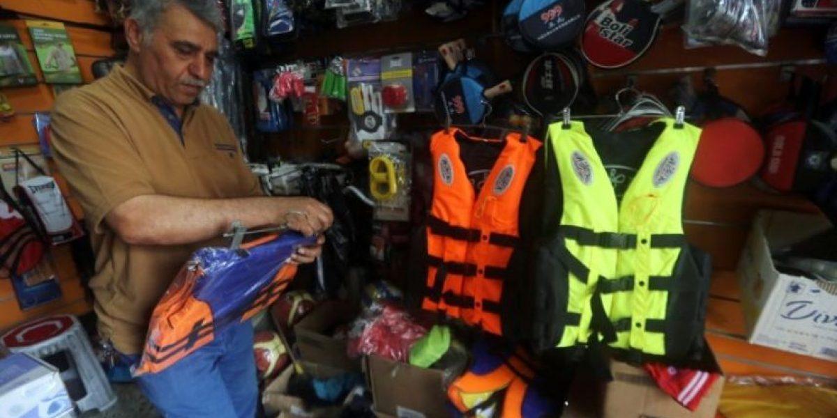 Se dispara en Bagdad la venta de chalecos salvavidas para viajar a Europa